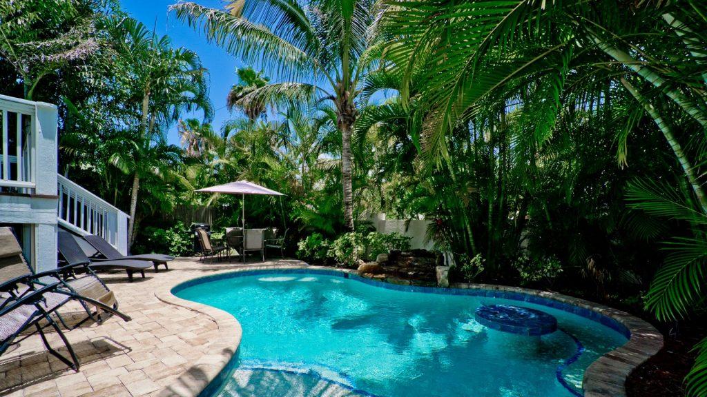 pool at Holmes Beach rental