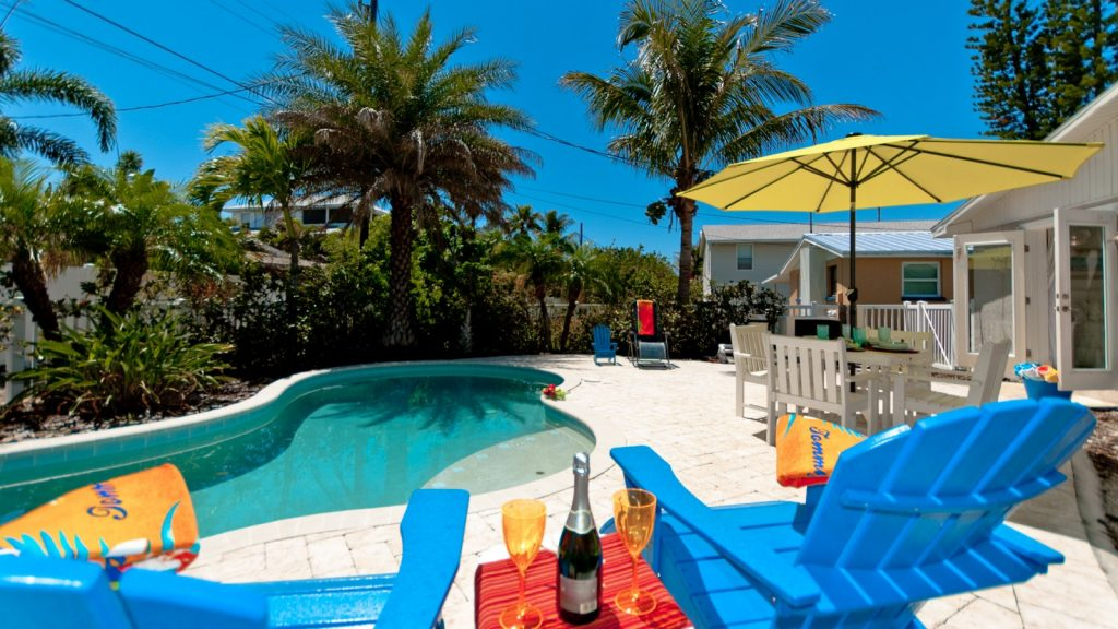 Back yard of Anna Maria Island pet-friendly rental